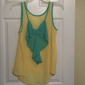NWOT size Large yellow/green bow back sheer tank